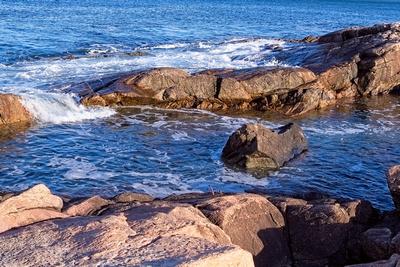 Swells Meet The Rocky Shore_20210426_850_1288
