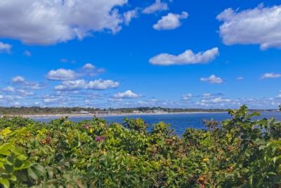 Puffy Clouds At The Narragansett Seawall 2021 0903 850_9341